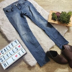 Seven7 Jeans Sz 4 Straight Leg Medium Wash